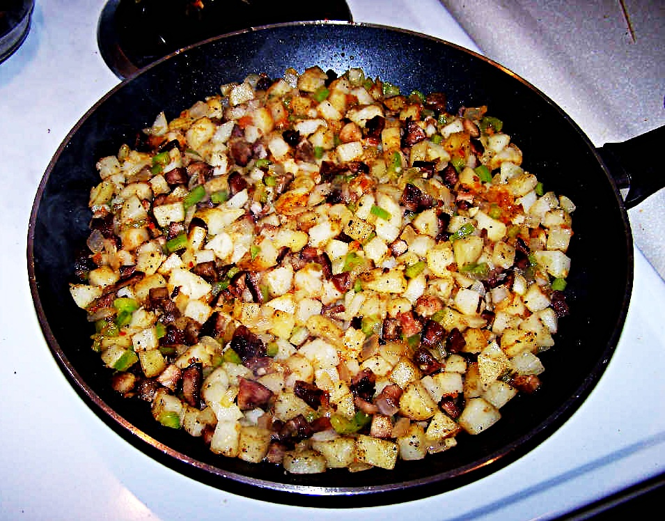 Pork Hash with Potatoes, Peppers and Onions ~ Ratatouille (Vegetable ...